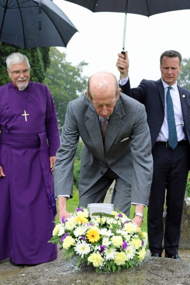 The Duke lays a wreath