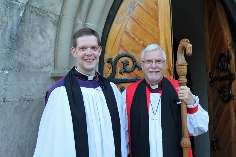 Revd Simon Richardson and Bishop Harold