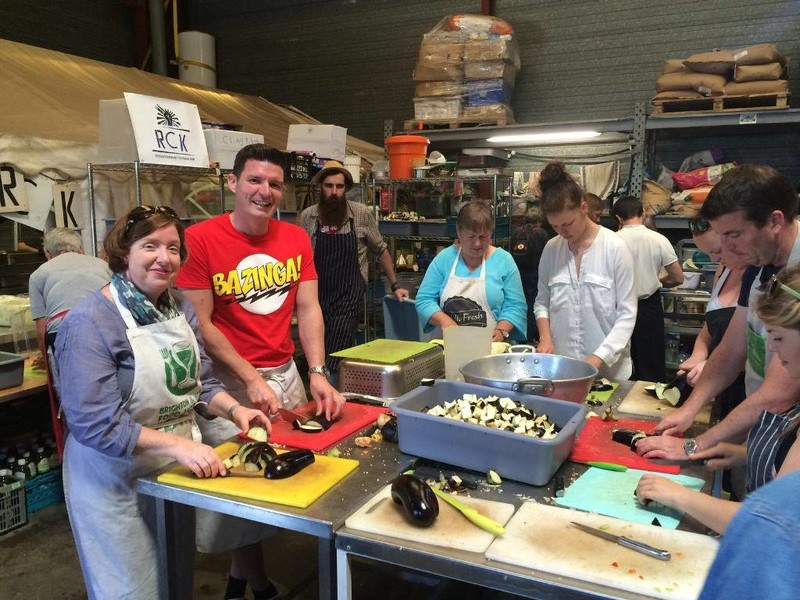 Volunteers chopping food