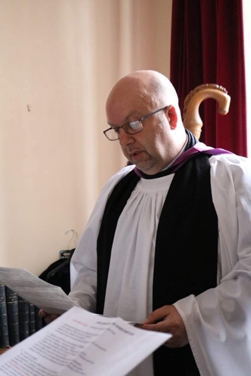 Revd Mark Harvey makes the Declarations